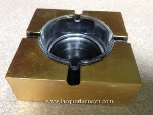 HT9208 Golf leaf lacquered cigarette ashtray