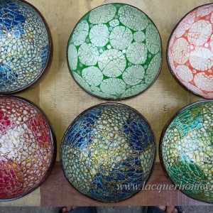 HT5774 Vietnam Lacquered Coconut Bowl With Eggshell Inlaid Pictures Gallery
