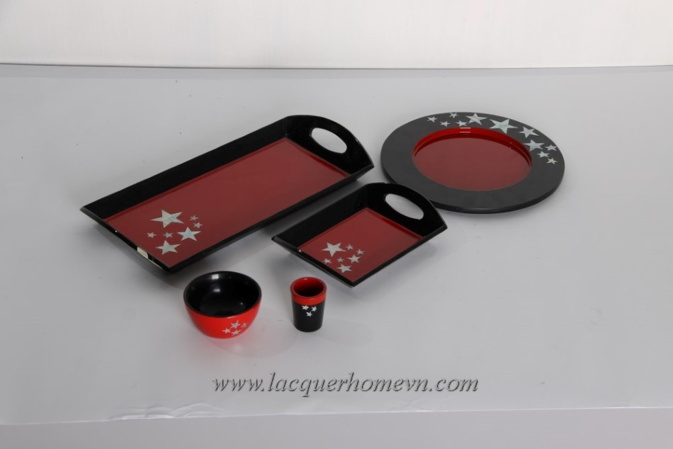 HT6711-christmas-lacquer-tray-and-bowl-set